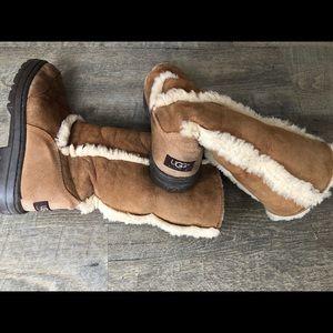 UGG Sundance II Boots